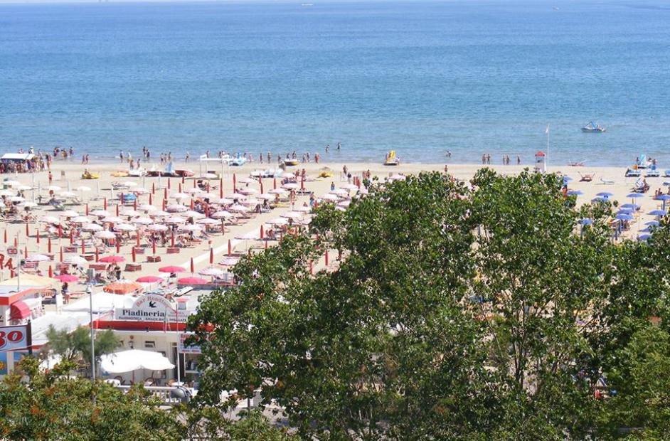 відпочик на морі, відпочинок в італії, відпочинок на італійському узбережжі