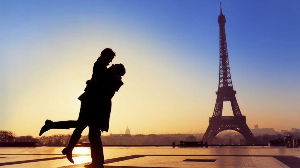 свято валентина в парижі, день закоханих в парижі